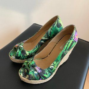 geox Wedges green floral open toe sz 37 espadrille